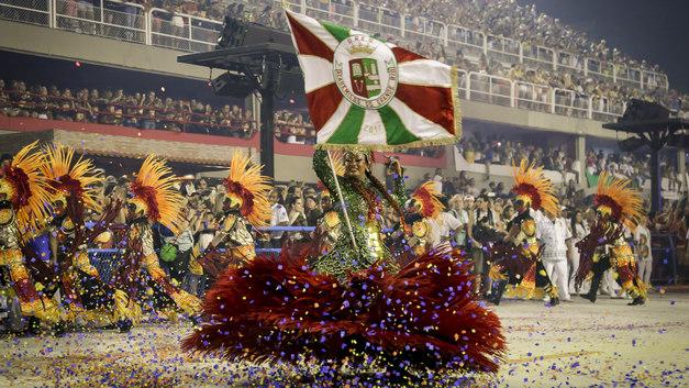 Танцоры решили сорвать карнавал в Рио-де-Жанейро