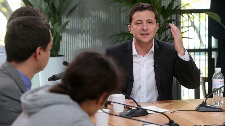 Эмоциональная усталость: Зеленский объяснил проблемы своего пресс-секретаря и оправдался за девочку