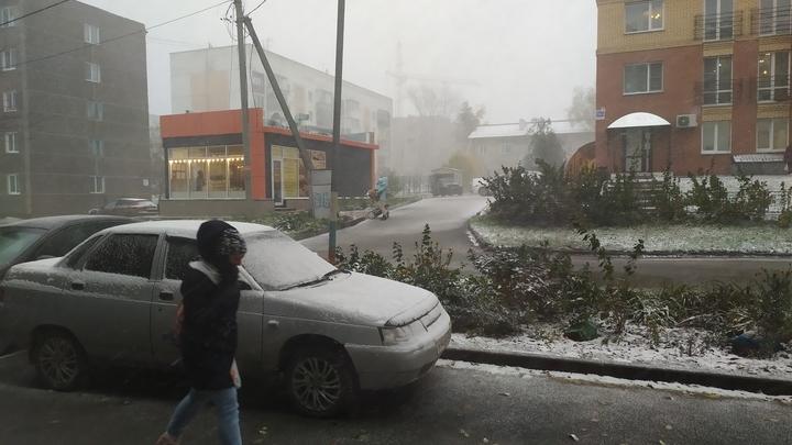 Дороги в Новосибирске зимой будут посыпать новой смесью для очистки снега