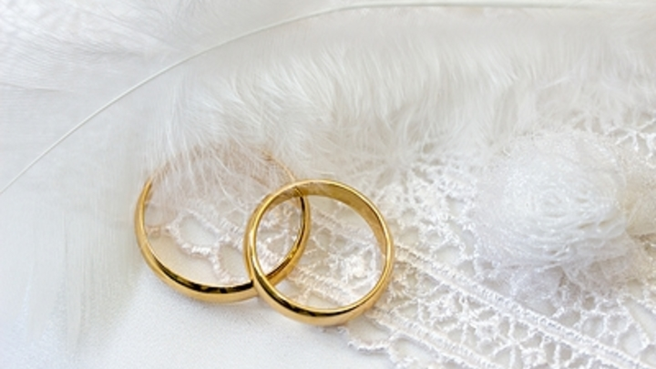«Город дворцов» признан самым «свадебным» в России