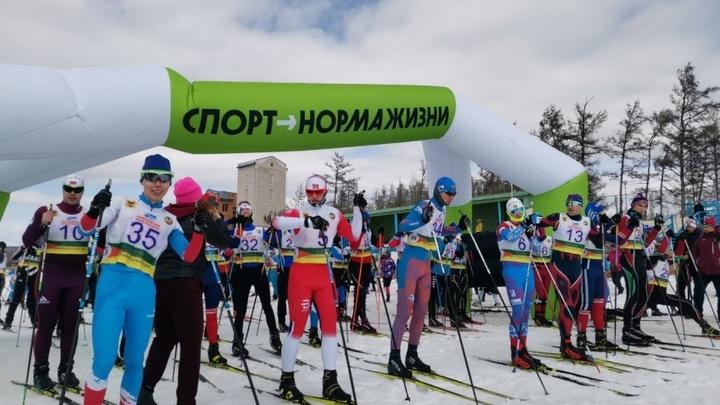 Три сотни спортсменов прошли лыжный марафон по озеру Арахлей