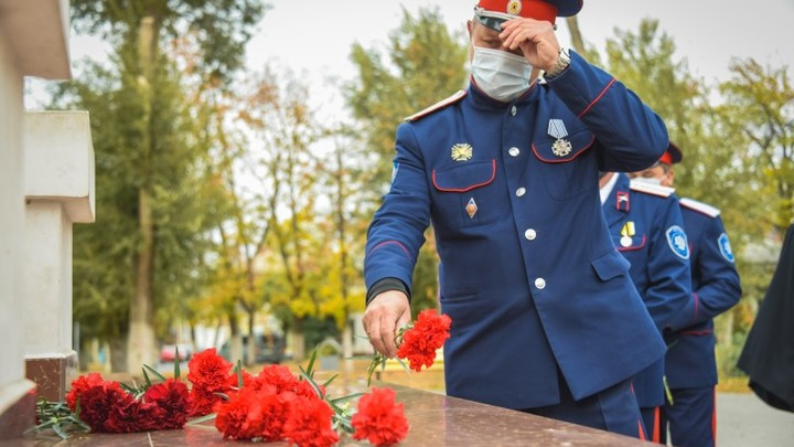 В Новочеркасске провели памятное богослужение по казакам, погибшим в годы политических репрессий