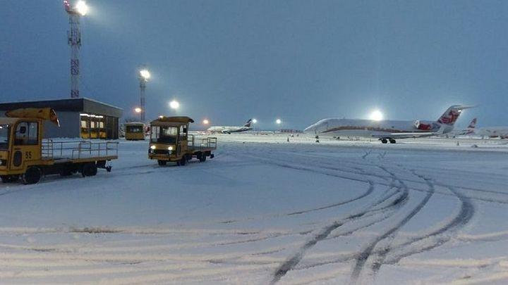 Аэропорт Краснодара снова продлил ограничения на прием самолетов