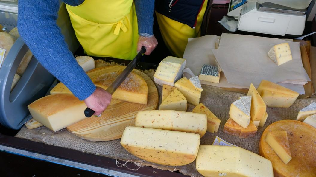 Из российских магазинов исчезнут белорусское мясо и молочные продукты