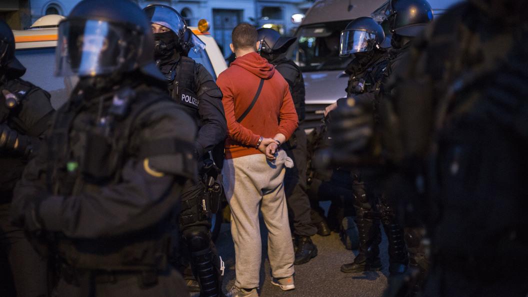 Дипломатам дали встретиться с задержанными гражданами России в Гамбурге