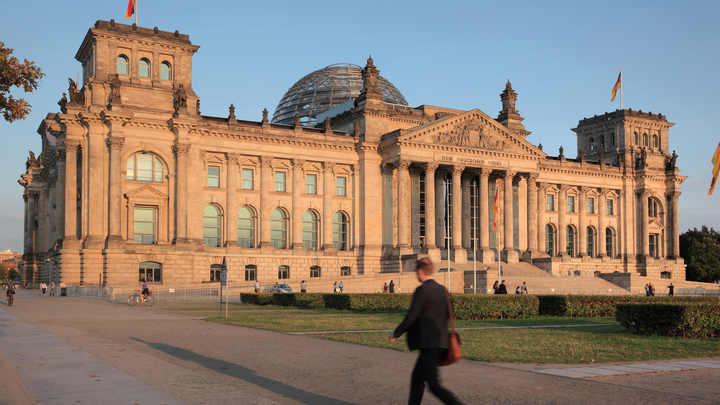 От парламента Германии потребовали снять санкции с России