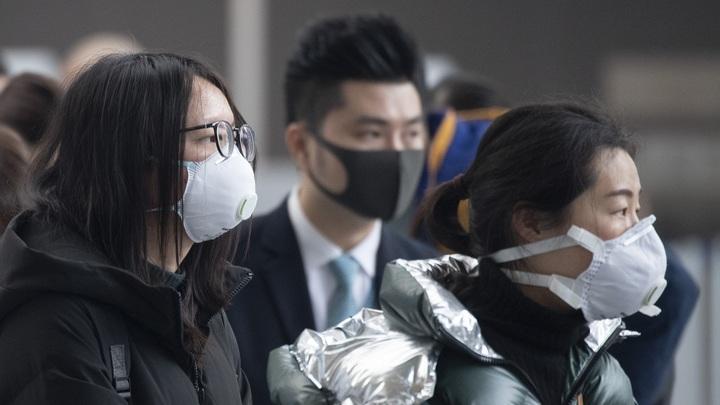 Тогда сопли и слюни будут меньше заражать: Врач об эффективности масок против коронавируса из Китая
