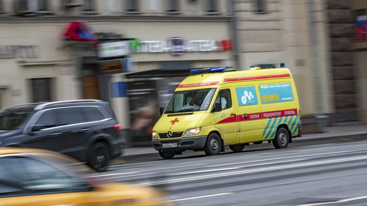 Автомобиль протаранил толпу во Франции: Пострадавших больше дюжины