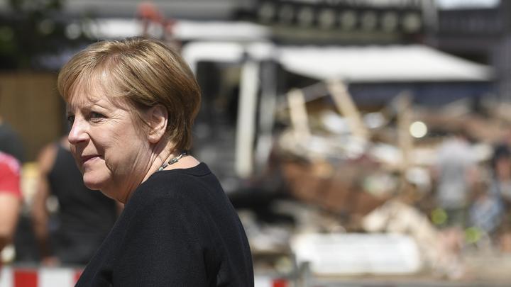 Меркель после анонса из США о газопроводе переговорила с Путиным