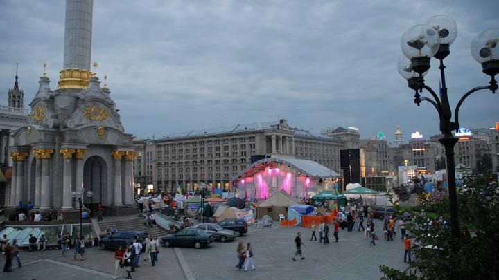 Долги Украины перед МВФ придется платить младенцам и старикам