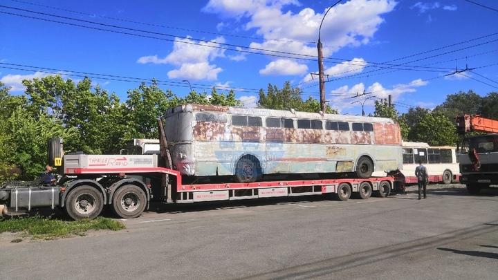 В Челябинске старый советский троллейбус превратится в памятник