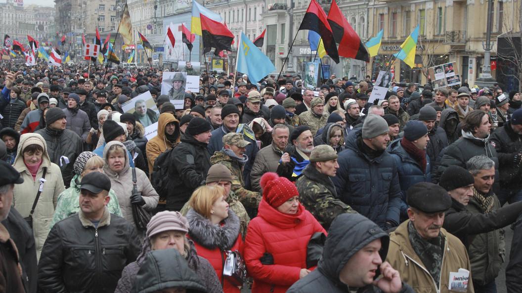 Кроме украинского: Саакашвили использует три языка в ходе организации Михомайдана