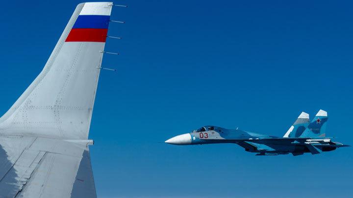 Не знали, кто на борту, или лукавят? Зачем натовский F-18 приближался к самолёту Шойгу