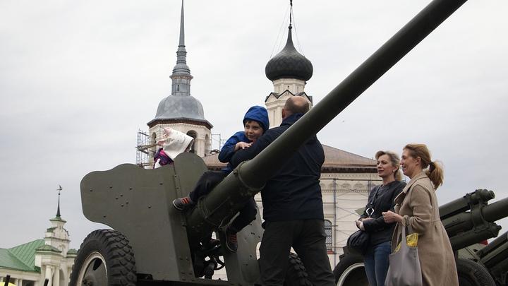 Суздаль к 9 мая вывел на улицу артиллерию и бронетехнику