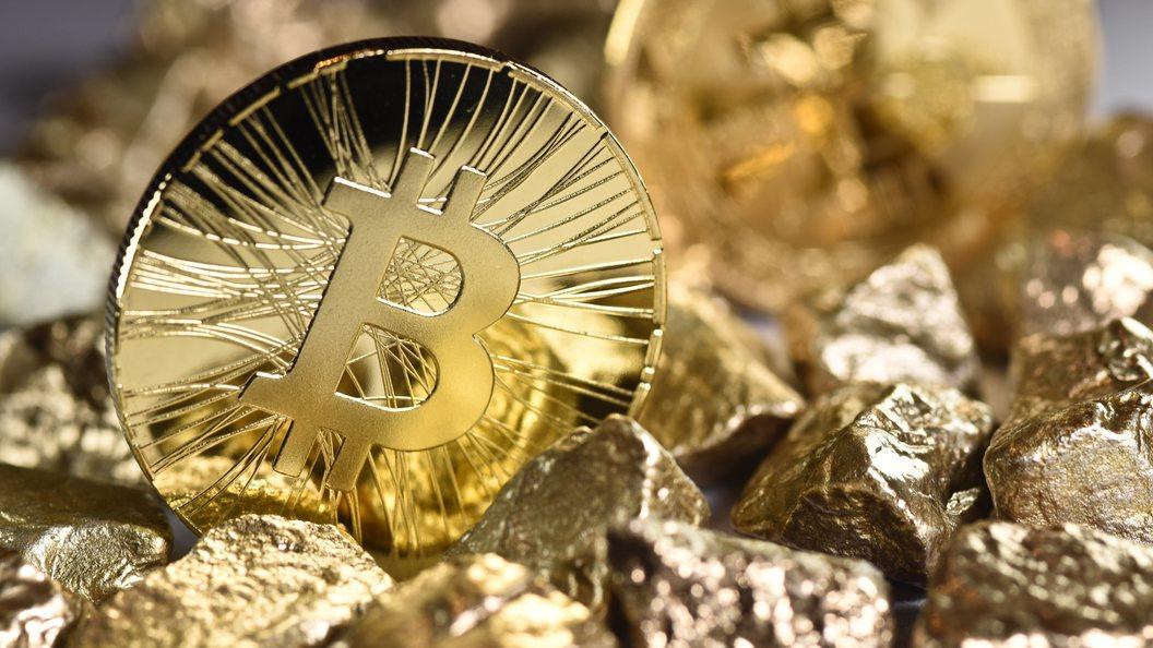 Биткойн перешел к падению Криптовалюта торгуется на уровне 9 тысяч долларов