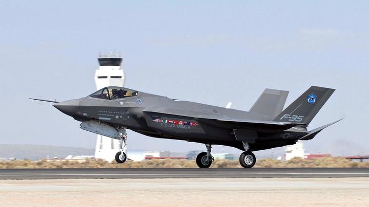 «Спасаясь от угрозы России»: В погоне за кошельками союзников Lockheed «скрестит» F-22 и F-35