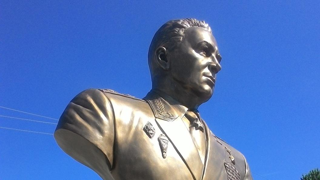 В Новгородской области открыли памятник основателю ВДВ Василию Маргелову