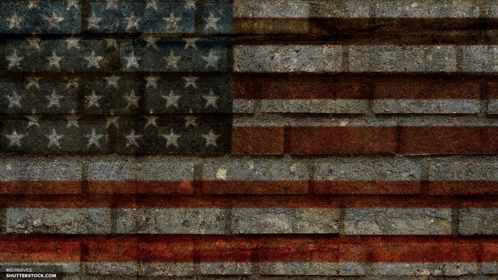 Роберт Де Ниро: Политика США - трагически тупая комедия