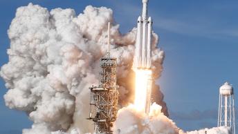Черт возьми, эта штука взлетела- Маск удивился старту ракеты Falcon Heavy