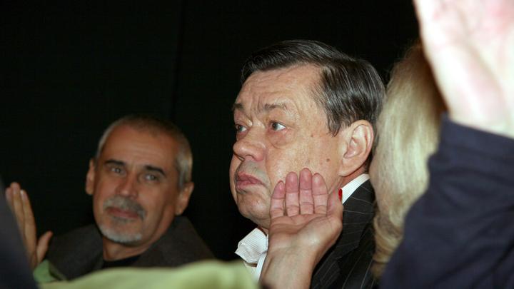 Экстренное обследование мозга: Николая Караченцова срочно госпитализировали