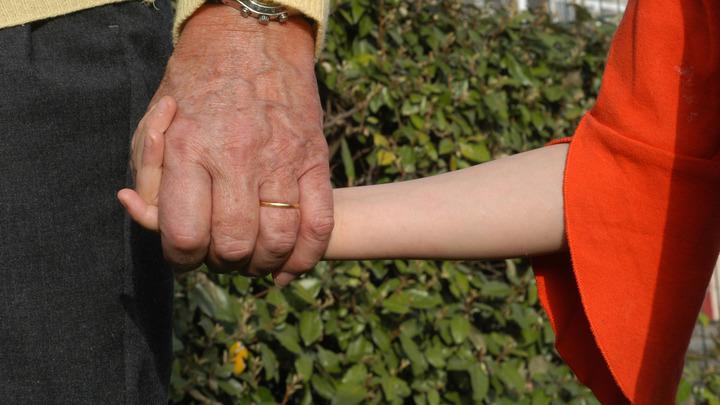 Злые крашеные тётки получили право забирать детей из русских семей. Это нормально?