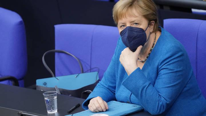 Чушь и сюрреализм: В Киеве объявили войну Меркель