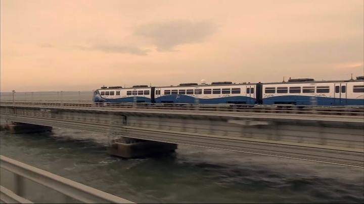 Эту железобетонную пуповину никто никогда не разрубит : Расцеловавшая поезд в Крым дала напутствие Украине