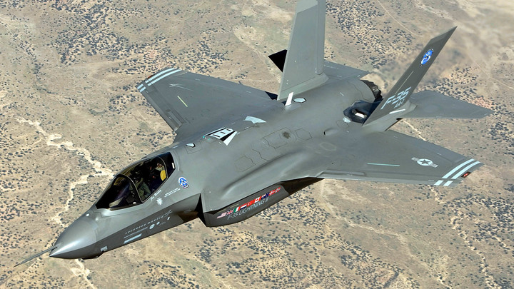В США назвали неподъемными расходы на программу истребителей F-35
