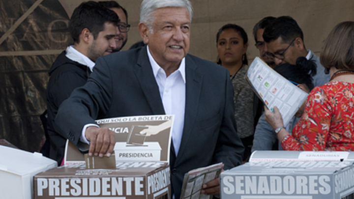 Новый президент Мексики пообещал наладить отношения сСША