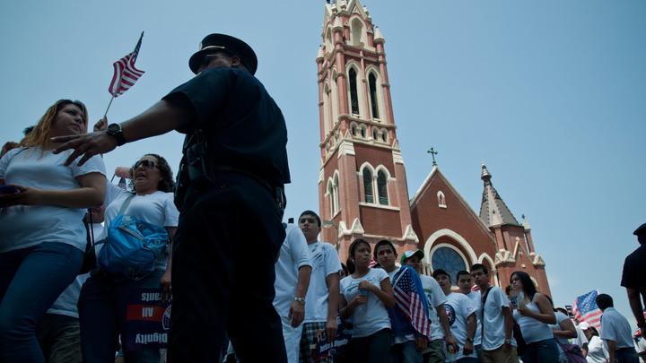 В США пять полицейских стали жертвой кровавой перестрелки