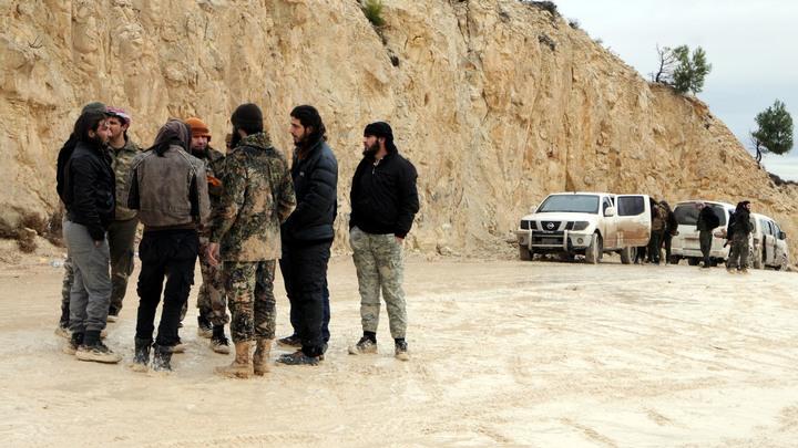 13 боевиков из Восточной Гуты сдались без оружия благодаря гуманитарному коридору