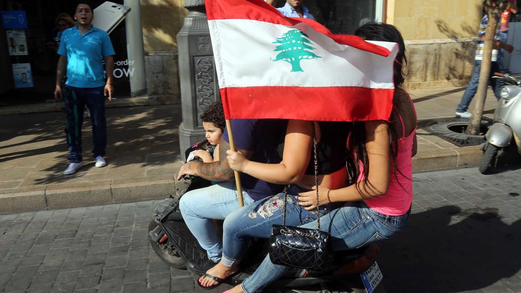 Ливан объявил оначале наступления напозиции ИГ* награнице сСирией