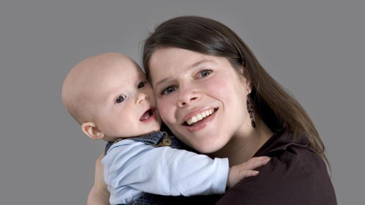 Ученые выяснили, почему запах младенца действует гипнотически