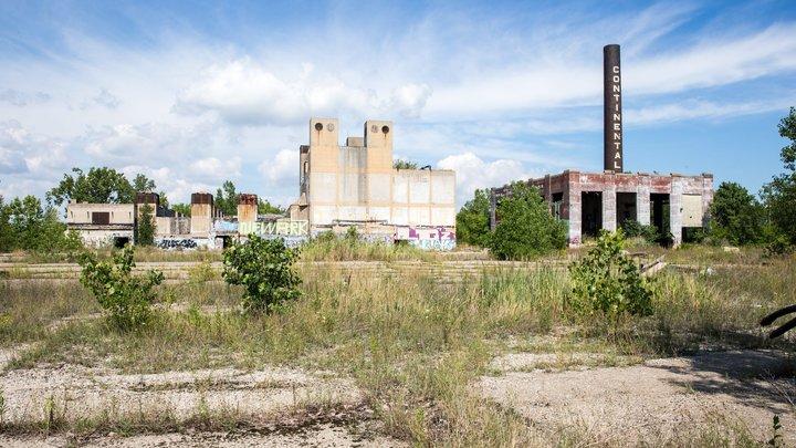 Татарская башня: Труба котельной в Новосибирской области опасно наклонилась
