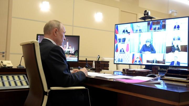Мишустин впервые за эпидемию пропустит доклад у Путина. Песков назвал имя на замену