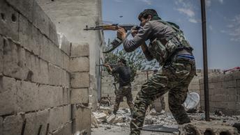 Курды наносят ответный удар: Турецкий город Рейханлы подвергся обстрелу из Африна