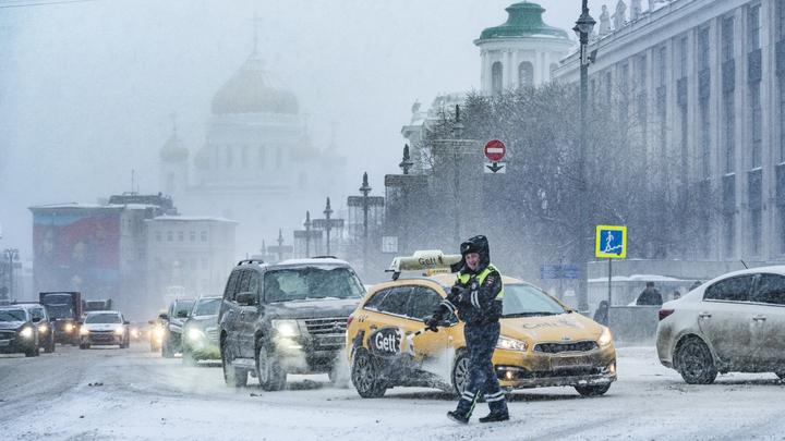 Агрессоры на дорогах: в Госдуме предложили новые ограничения для автохамов