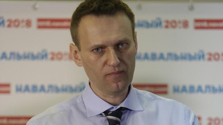 Расстрелял всю обойму в голову: Как Навальный отмазался от суда за драку с оружием