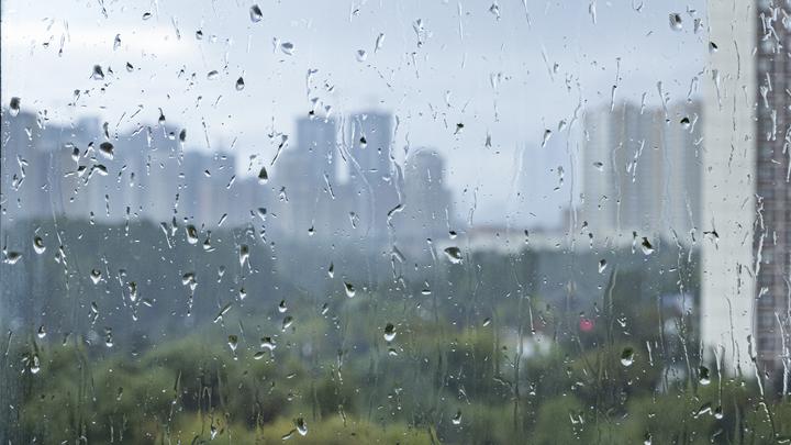 В Сочи объявили экстренное предупреждение о приближающемся ливне