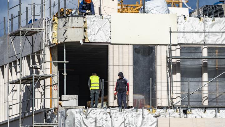На Кубань завезут новых гастарбайтеров? На стройках по нацпроектам увеличивают количество рабочих