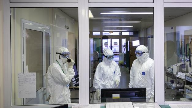Челябинцы с подозрением на пневмонию ждут КТ по семь суток