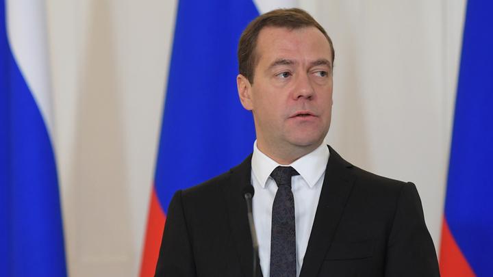 И вновь Медведев: Эксперты «о незаменимом» премьере и новом правительстве технократов