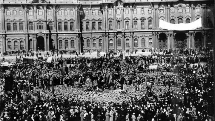 Запрет на 100 лет: Как западные СМИ переписывают российскую историю