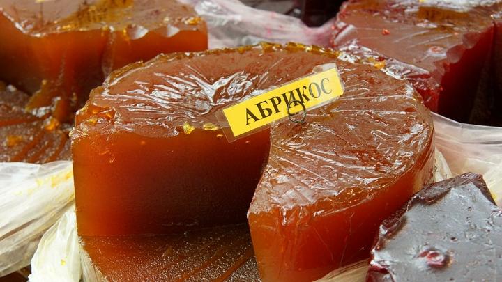 Просто бомба для желудка: Врач назвала самые вредные сладости в России