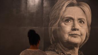 Защитник Хиллари Клинтон в прямом эфире призвал бомбить КНДР