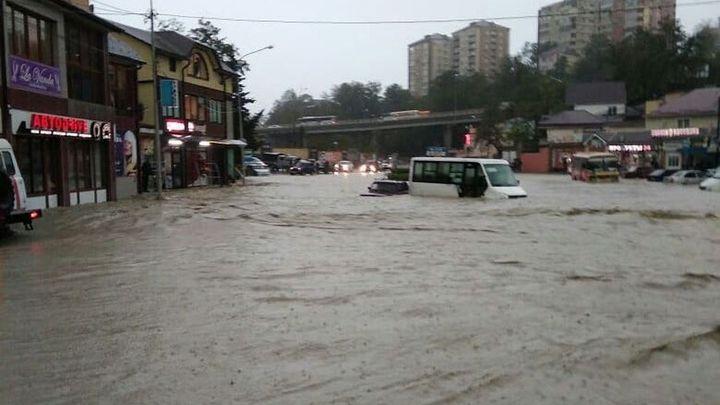 Волны жары, наводнения: Климатолог приговорил Россию к погодным катаклизмам во второй половине века