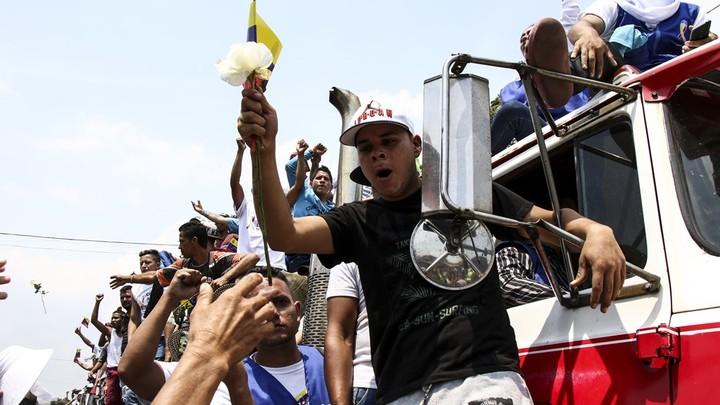 Трамп относится к венесуэльцам как к собакам