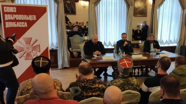 Олигарх и спонсор карателей: Добровольцы Донбасса разоблачили настоящего владельца партии Прилепина