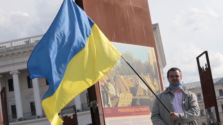 Не Минск, так Навальный: Киев уговаривает Запад на антироссийские санкции