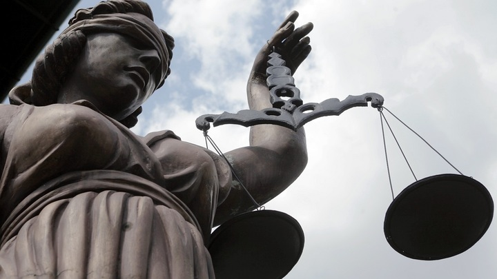 Краснодарского судью сняли с должности из-за мата в адрес истца